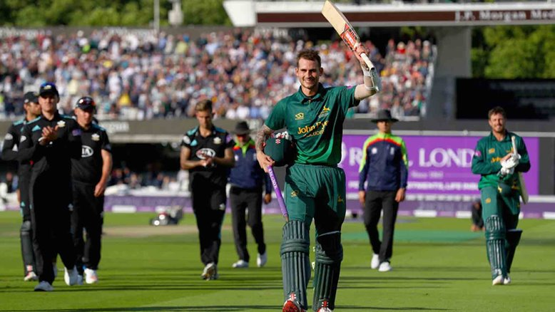 Alex Hales celebrates his 187*