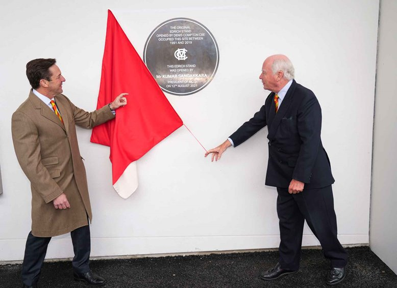 Gerald Corbett unveils the Edrich Stand plaque