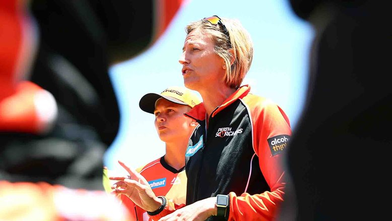 Lisa Keightley coaching the Perth Scorchers