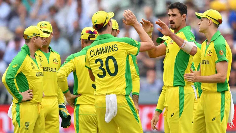 Mitchell Starc celebrates with his team mates