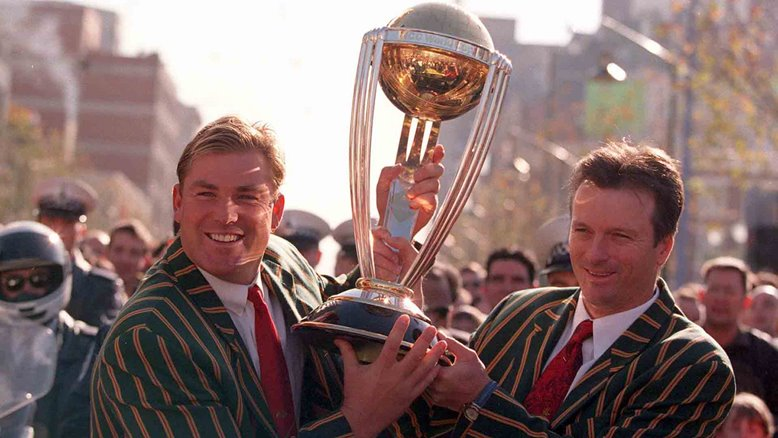 Shane Warne and Steve Waugh during the 1999 victory parade.